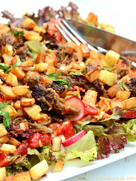 Carnita-Salat mit Zitrus-Dressing