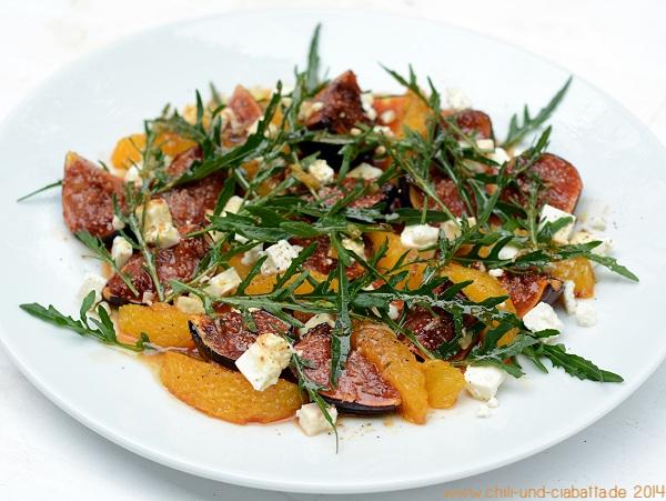 Salat mit karamellisierten Feigen und Orangen, Feta und Rucola
