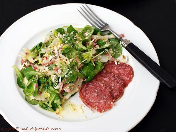 Feldsalat mit Wildschweinsalami und Orangensauce