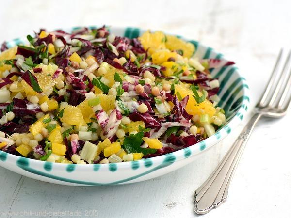 Fregola-Salat mit Paprika und Orange
