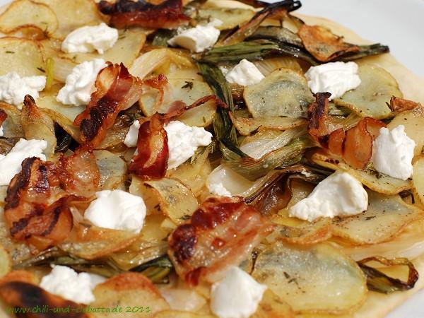 Frühlingszwiebeln unter Kartoffeln