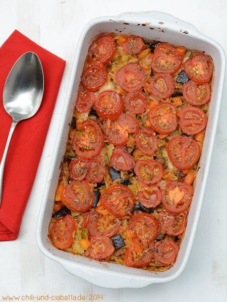 Gebackener Orzo mit Gemüse und Käse