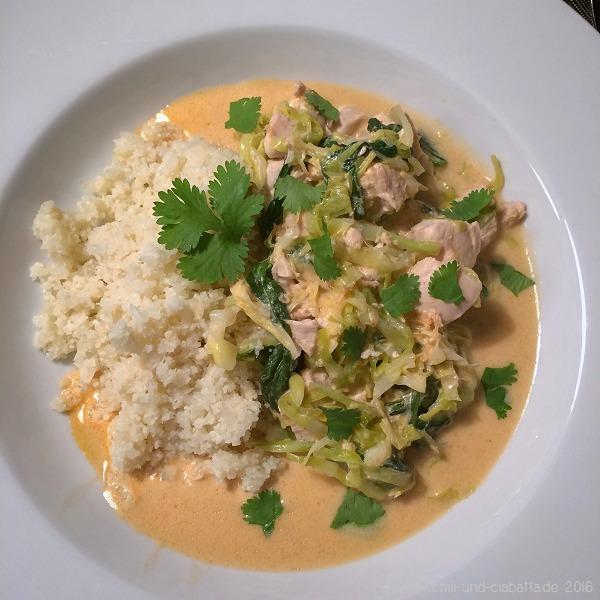 Kokos-Hähnchencurry mit falschem Reis