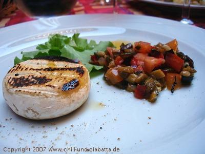geschmolzener Käse mit Gemüse