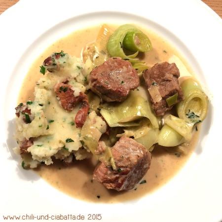 Kalbs-Lauch-Gulasch mit Kartoffel-Pfifferlings-Stampf
