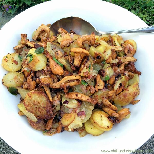 Kartoffel-Pfifferlings-Pfanne mit Speck