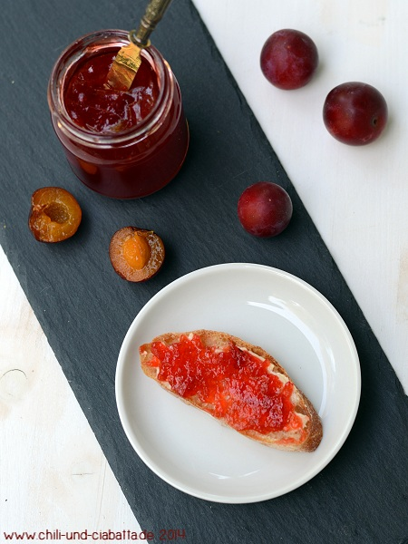 Kirschpflaumenkonfitüre mit Orange und Ingwer