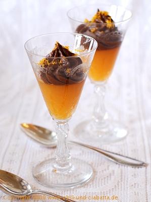 Schokomousse mit gesalzener Butter auf Mandarinengelee