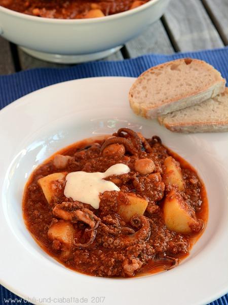 Schmortopf mit Moscardini, Chorizo und Aioli