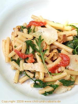 Maccheroni mit Rucola und Gorgonzola