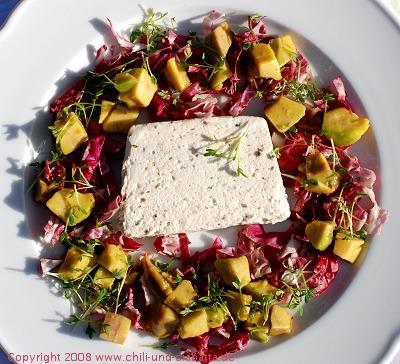 Pfeffermousse mit Avocadosalat