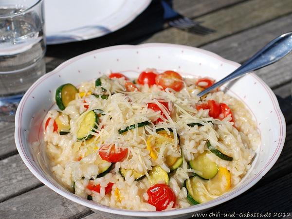 Risotto mit Zucchini und Tomaten