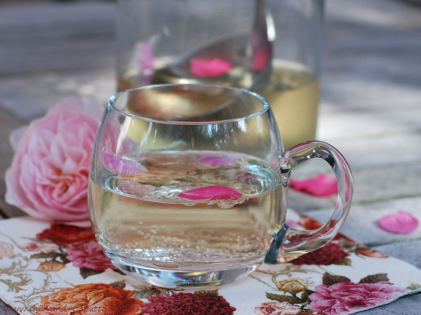 Rosenbowle im Glas