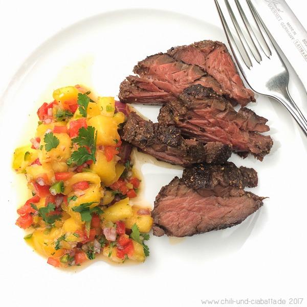 Sous vide Hanger Steak mit Pfirsich-Salsa