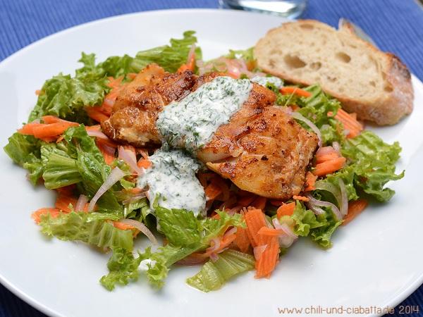 Skrei in Würzöl auf Salat