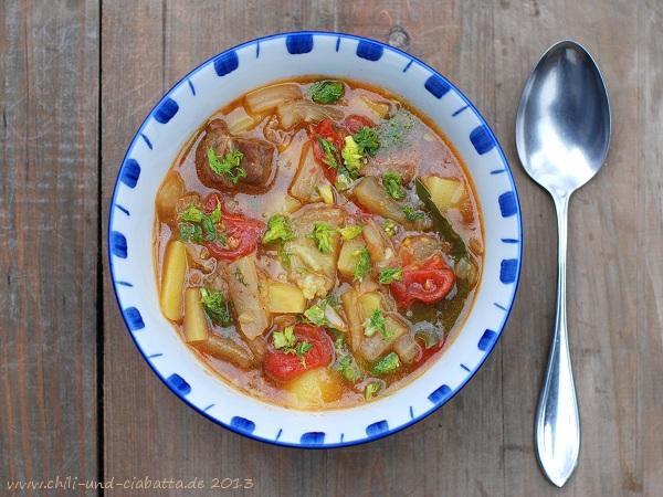 Kartoffel-Fencheltopf mit Tomaten
