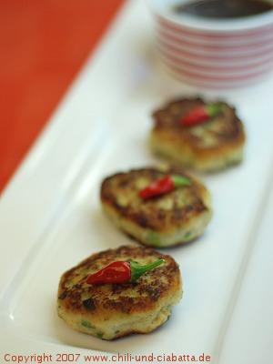 Thailändische Süßkartoffel-Hähnchen-Küchlein
