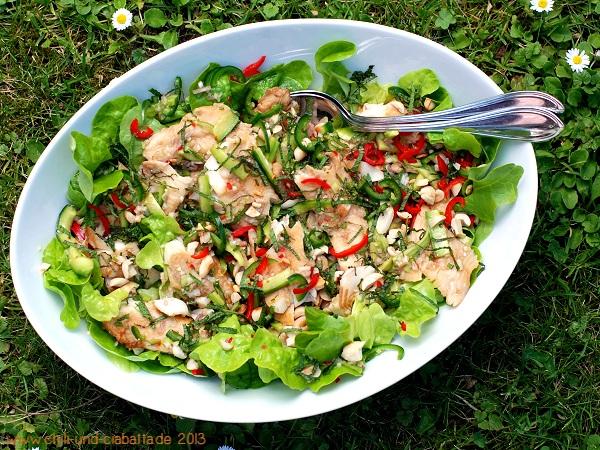 Thaisalat von der Regenbogenforelle