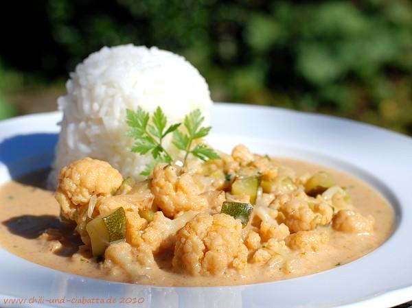 Blumenkohl-Curry mit Zucchini