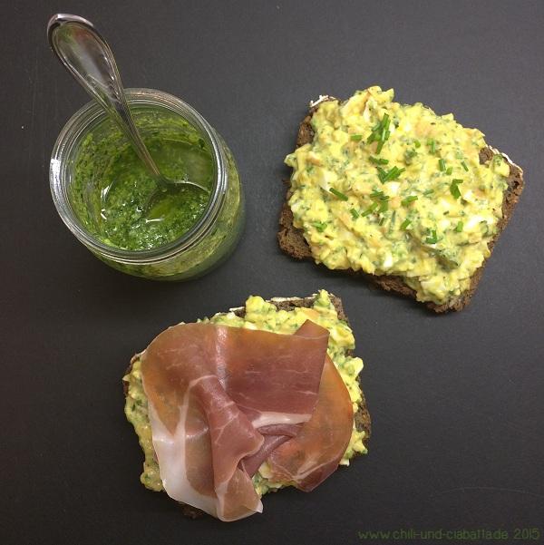 Körnerbrot mit Pesto-Eieraufstrich und Parmaschinken