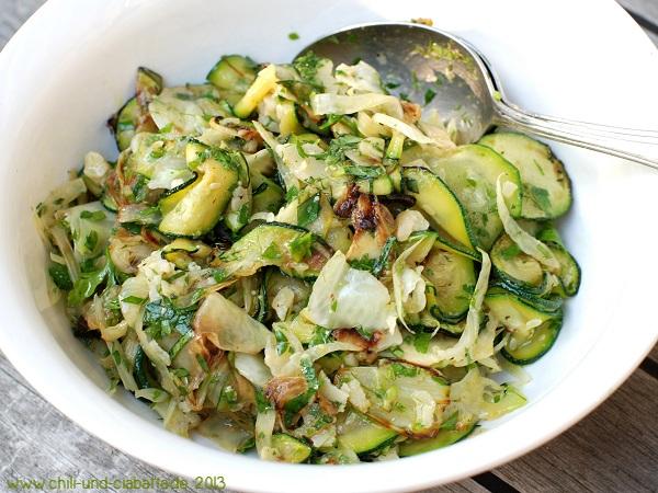 Fenchel-Zucchini-Salat von der Plancha