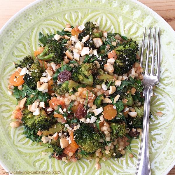 Curry-Brokkoli-Gemüsepfanne mit Fregola Sarda
