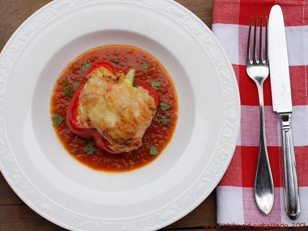 Paprika mit Kartoffel-Käsefüllung