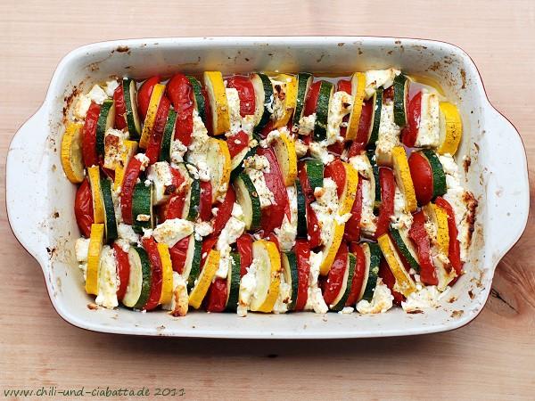 Gratin von Zucchini, Tomaten und Schafskäse