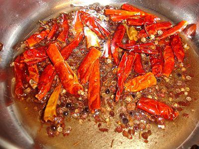 Tien Tsin Chilis und Sichuanpfeffer
