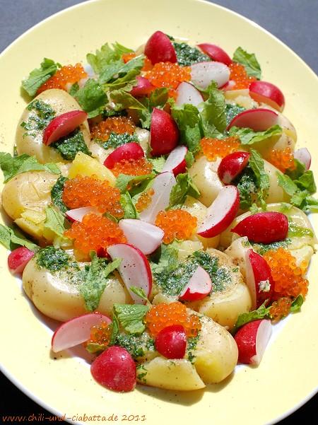 Kartoffeln, Liebstöckelbutter, Radieschen, Kaviar