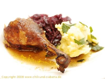 Entenkeule mit Rotkraut und Kartoffelstampf