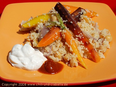Orientalischer Möhren-Couscous mit Zimt-Orangen-Schmand