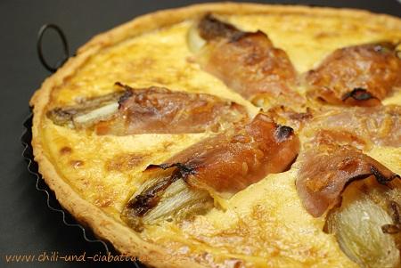 Parmesankuchen mit Chicoree
