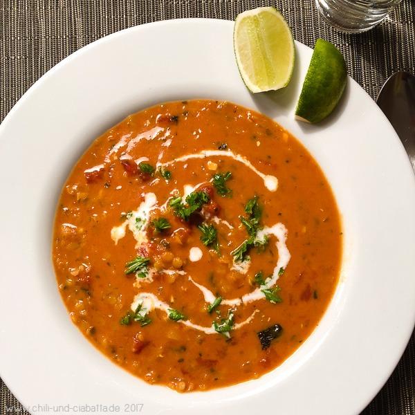 Curry-Rote-Linsensuppe mit Tomaten und Kokosmilch