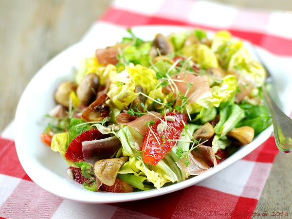 Salat mit Blutorangen und Champignons