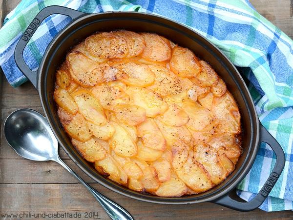 Sauerkrautgulasch mit Kartoffeln gratiniert
