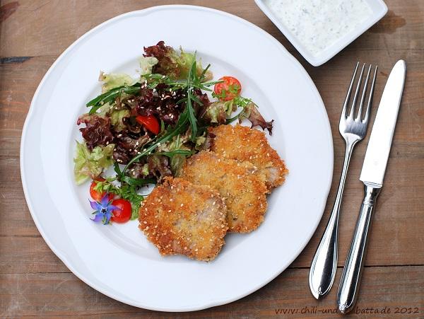 Kalbszunge im Sesammantel mit gemischtem Salat