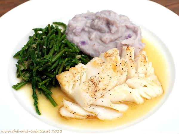 Skrei mit Salicorne und blauem Kartoffelpüree