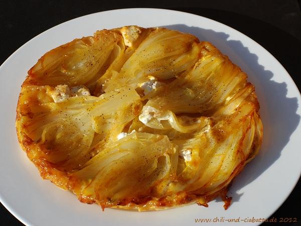 Tarte Tatin vom Chicorée mit Orangenkaramell und Ziegenfrischkäse