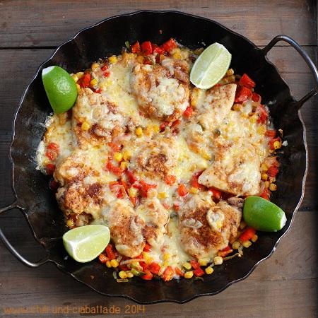 Tex-Mex-Hähnchenpfanne mit Mais, Chilis und Käse