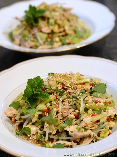 Thai-Hähnchensalat mit Minze und Cashews