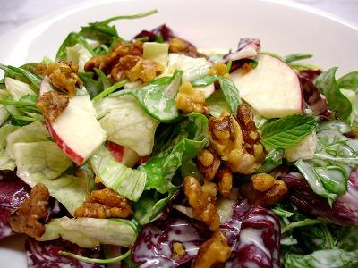 Salat mit Buttermilchdressing