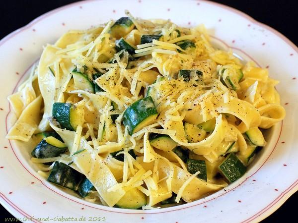 Zucchini-Käse-Nudeln